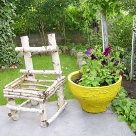 Małe dekoracje ogrodu .
