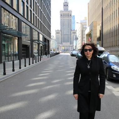 Majówka w Warszawie ,bardzo intensywna i bardzo udana... Co prawda Warszawa przywitała nas deszczem w pierwszy dzień ,ale następne dni były całkiem przyjemnie i słonecznie .... Spędziliśmy bardzo miło czas ze znajomymi ,którzy ,bardzo umilali nam pobyt w Warszawie....Pozdrawiam Was serdecznie i zapraszam na spacerek po stolicy
