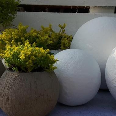 Kobea Ogrody i Bruki Produkcja i sprzedaż dekoracji ogrodowychKule betonowe do ogrodu