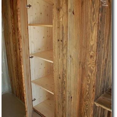 szafy wnękowe ze starego drewna