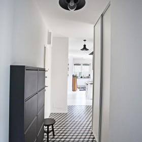 Aranżacje płytek cementowych w przedpokojach i korytarzach