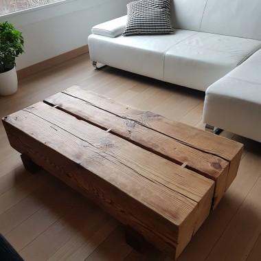 Stolik kawowy z blatem ze starego drewna