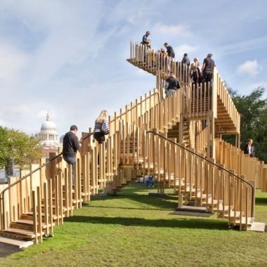 Surrealistyczna konstrukcja Endless Stair