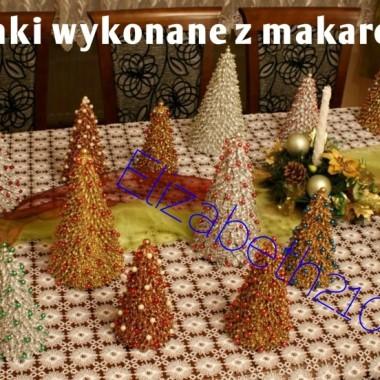 Dekoracje na Boże Narodzenie - choinki wykonane z makaronu