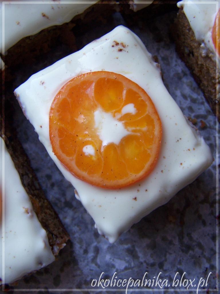 Ciasto marchewkowe z mandarynkami