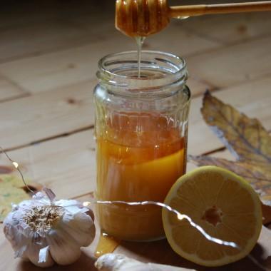 """Jesień chociaż złota i piękna, to jednak czas przeziębień. Zapraszam do """" zdrowej """" &#x3B;-) galerii i po przepis syropu na odporność na sielskidomekwdolinie.blogspot.com"""