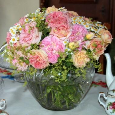 róże nie tylko w ogrodzie.....