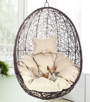 Kupię, Fotele wiszące, czyli wypoczynek w wygodnej i stylowej oprawie - Tenaga Plus sprawdzi się nie tylko w ogrodzie, ale i w salonie. Fot. materiały prasowe Homekraft