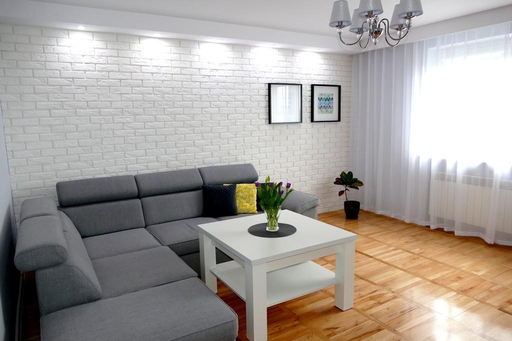 Salon, Salon - szarość i biel, czyli minimalizm.