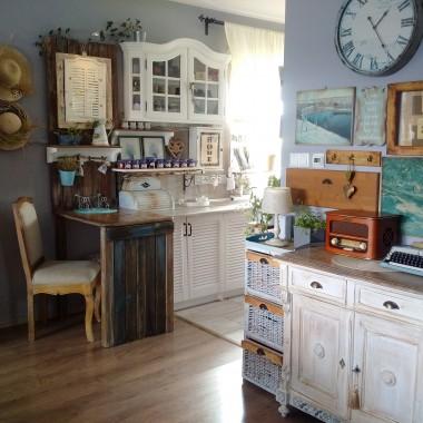 W kuchni meble tworzę sama. W przyszłości będzie drewniany blat, powoli tworzę własny styl.