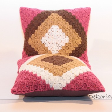 dziergane poduszki dekoracyjne