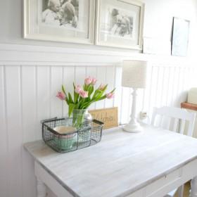 Biała boazeria w kuchni
