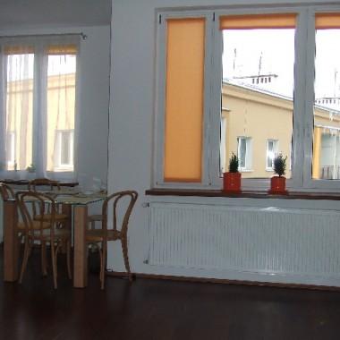 """""""salon"""" z kuchnia w naszym nowym mieszkaniu."""