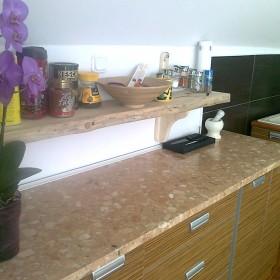 salonik z kuchnią