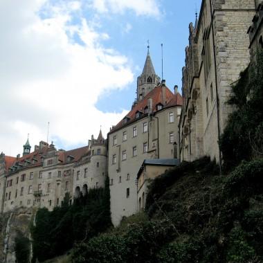 Dunaj to nie tylko Austria. Swoje początki ma w Niemczech. W Sigmaringen znajduje się piękne zamczysko nad samych Dunajem ...