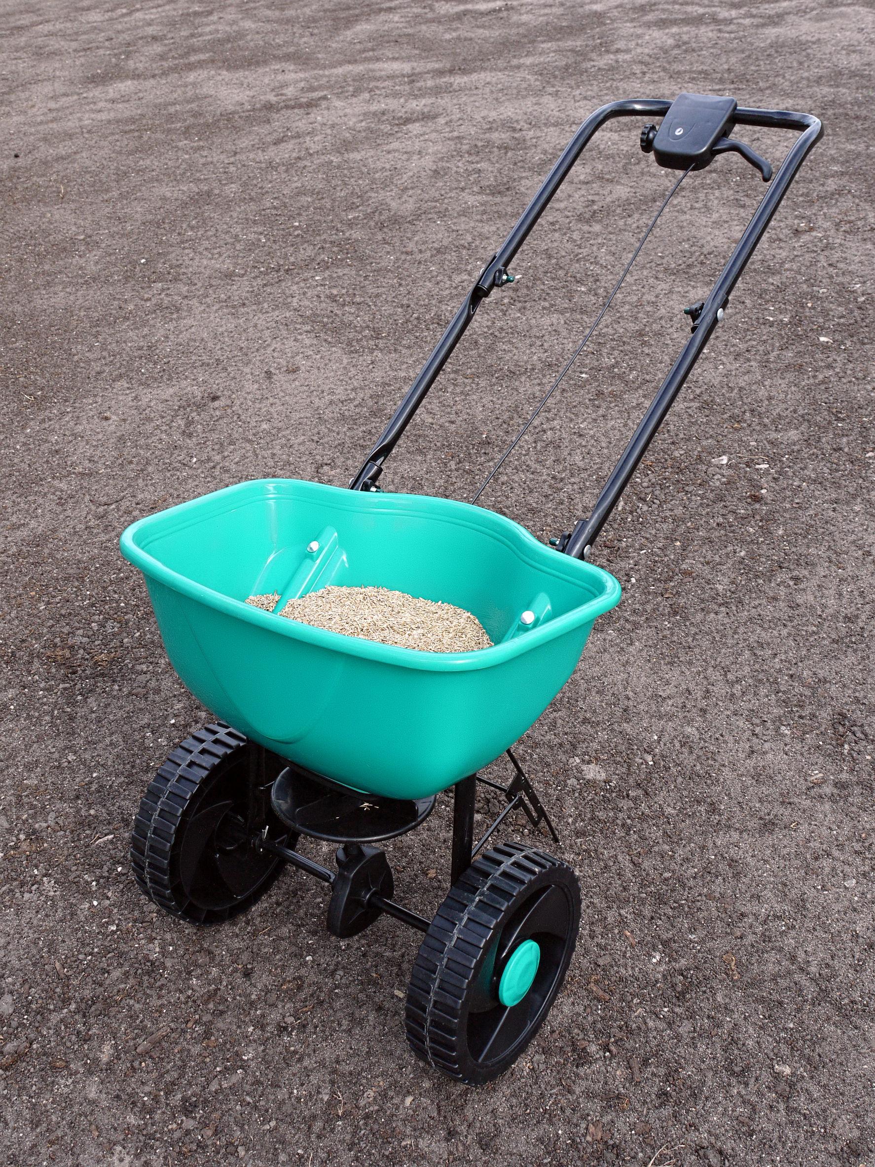 siewnik do nasion trawy