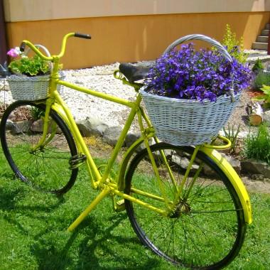 i przytargano mi stary rower.......wiec oto co wyszło...