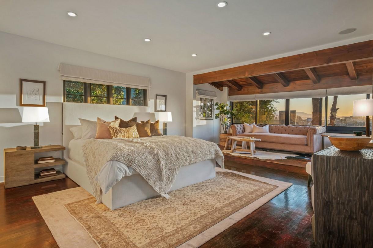 Domy sław, Aaron Paul sprzedał dom