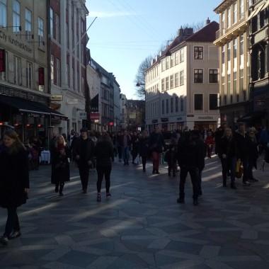 Najsłynniejsza ulica handlowa, oblegana przez mieszkańców i turystów, zrobimy tu zakupy w eleganckim butiku i popularnej sieciówce