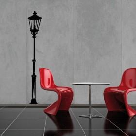 Czarny kontra czerwony w salonie