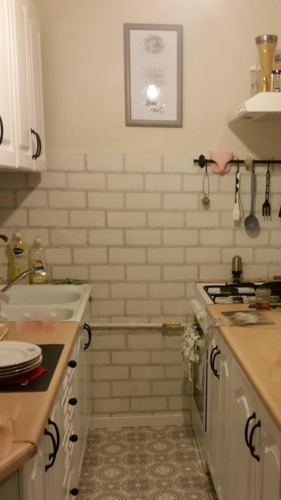 Zrób to sam, Cegiełki z gipsu handmade - Finalnie nie ma śladu po starych zielonych kafelkach :)