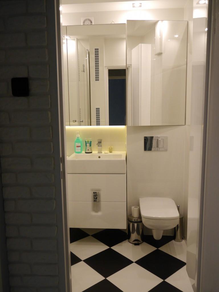 Zdjęcie 613 W Aranżacji Metamorfoza łazienki W Bloku