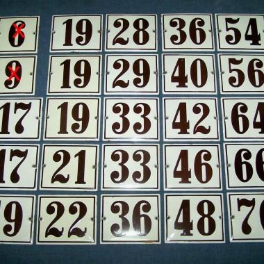 stare emaliowane szyldy z numerami