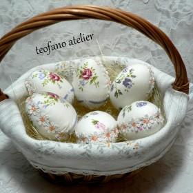 Koszyki z jajkami w tkaninie