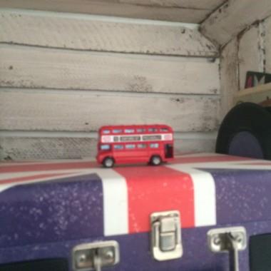 adapter i popularny czerwony autobus tralalalalalal ....:)