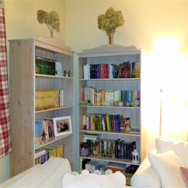 Czy książka może być dekoracją domu?-moim zdaniem zdecydowanie:) A w świątecznej oprawie tym bardziej:) Przedstawiam Wam  moje perełki świąteczne, nie wyobrażam sobie świąt i okresu zimowego bez nich&#x3B;) A wy co sądzicie?