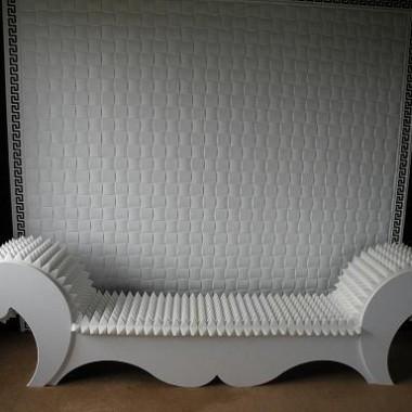 """""""kolczasta sofa"""" - Spiked Sofa"""