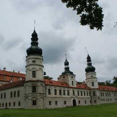 Pałac w Żyrowej cz.I