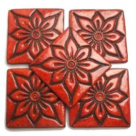 kompozycje z kafli wykonanych ręcznie