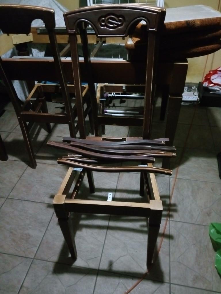Zrób to sam, Nowe życie krzeseł - Takie były na początku. Nie pomyślałam, żeby im zrobić zdjęcie w całości...