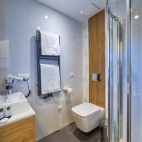 Urządzamy małą łazienkę, czyli o czym warto pamiętać!
