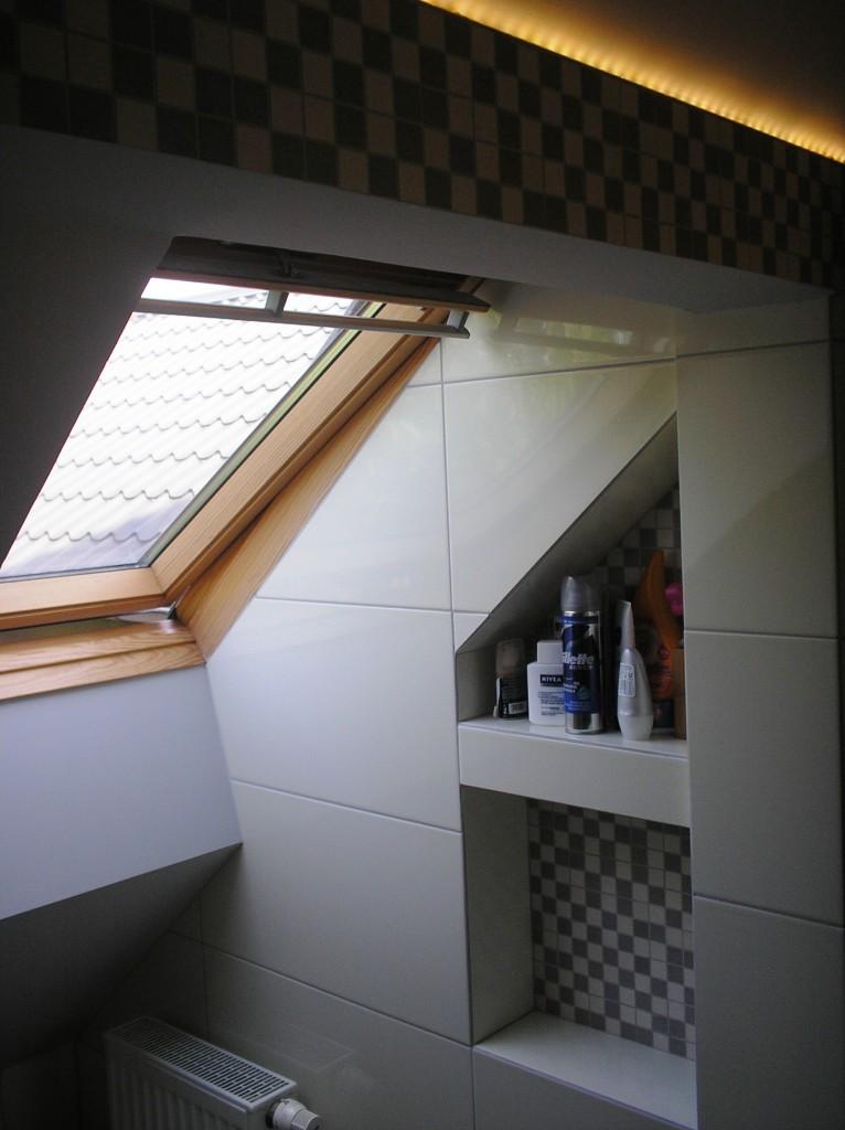 Zdjęcie 711 W Aranżacji Bardzo Mała łazienka Na Poddaszu
