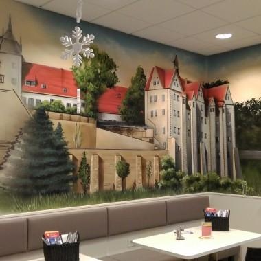 Restauracja w Niemczech, sciany malowane przez artystow.