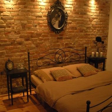 c.d. metamorfozy czyli cegła w roli głównej- tym razem sypialnia