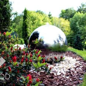 Kula w ogrodzie