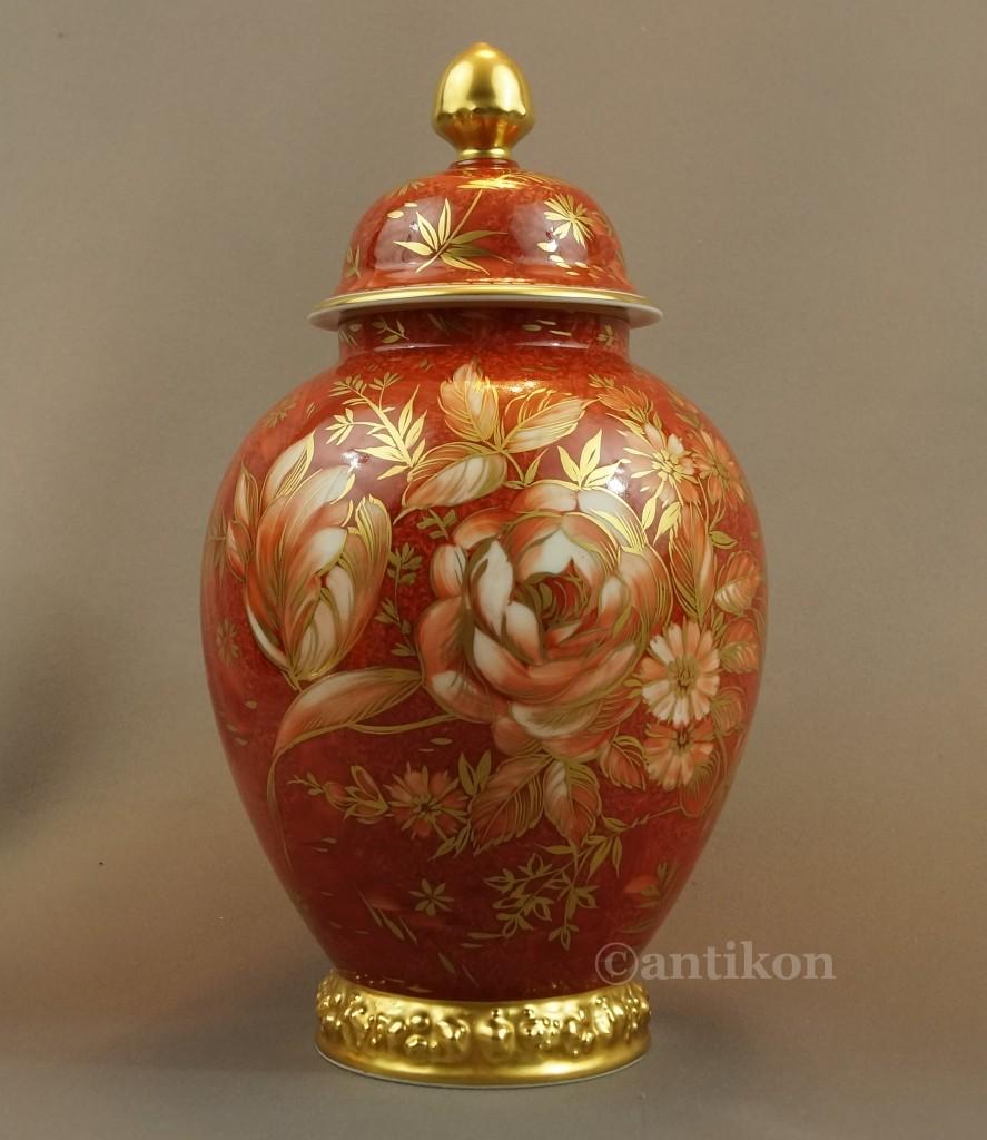 Antyki, Stare porcelanowe wazony