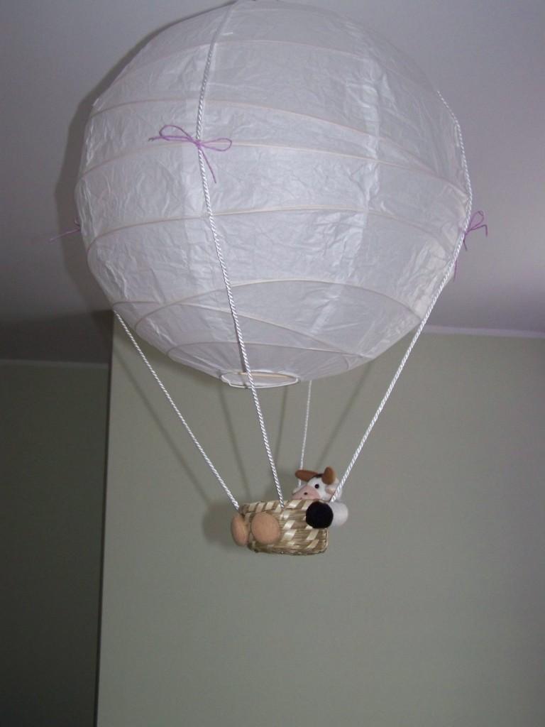 Pokój dziecięcy, Alicja w Krainie Czarów;) - lampa z ikei za nieduże pieniądze, trochę sznurka, koszyczek z krówką i już jest coś na styl lampy u użytkowniczek: Aga78 i Vlinder (chociaż tutaj podobieństwo jest niewielkie:))