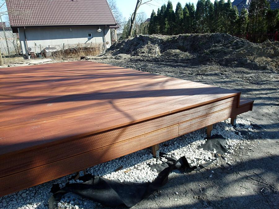Taras, Taras drewniany w Milanówku