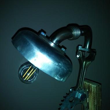 Lampka z części różnych