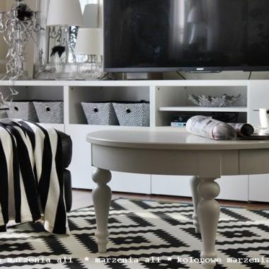 salon i nowy stolik Ikea Isala