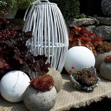 -Dekoracje i Ozdoby do Ogrodu-kule betonowe i donice kule  ozdobne do ogrodu