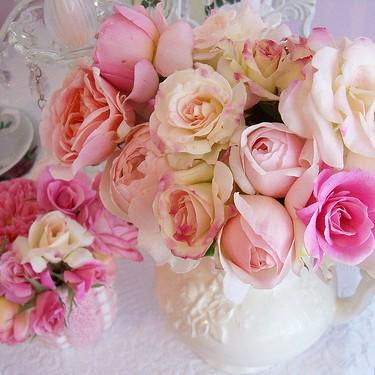 Drobiazgi z motywem róży.