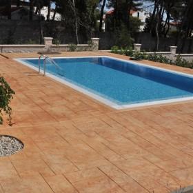 Otoczenie basenu i ogrodzenie