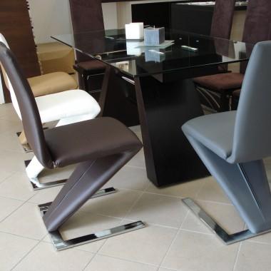 Stół Julietta i krzesło Ricco, Qbish.