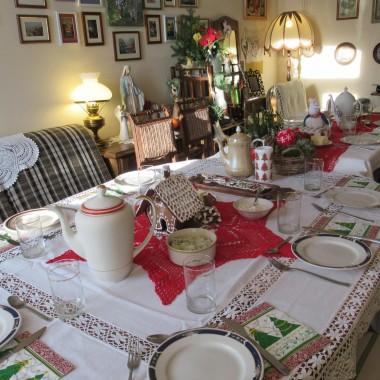 Nieco spóżnione ,ale szczere Życzenia zdrowia i szczęścia w Nowym 2018 Roku dla Was drogie Deccorianki i Waszych Rodzin.Zamieszczam trochę zdjęć z moich przygotowań do Świąt na wsi,a potem oczekiwania na gości.Atmosfera była cudowna.Pyszne jedzonko,a potem śpiewanie kolęd.