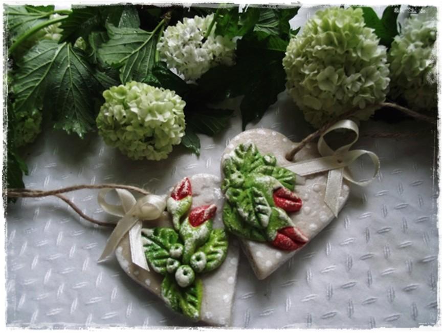 Pozostałe, ....bo ja kocham maj....; - zawieszki różane z masy solnej